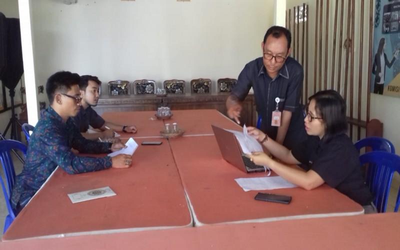Pengawasan Pemutakhiran Data Pemilih Secara Berkelanjutan : KPU Bangli Turunkan Data DPK ke Desa/Kelurahan
